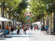 Vilanova i la Geltrú - La Rambla, the city's social and retail hub, its wide range of fish and seafood culinary offerings and the famous xató dish make Vilanova a place to visit and return
