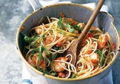 Spaghetti with prawns, lemon, chilli, garlic and rocket recipe. A quick, light and healthy pasta dish that's easy to make and even easier to consume. Prawn Recipes, Chilli Recipes, Fish Recipes, Seafood Recipes, Cooking Recipes, Healthy Recipes, Recipies, Dinner Recipes, Prawn Spaghetti
