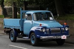 Bedford Classic Trucks, Classic Cars, Bedford Truck, Hot Rod Pickup, Old Lorries, Busses, Commercial Vehicle, Vintage Trucks, Cool Trucks