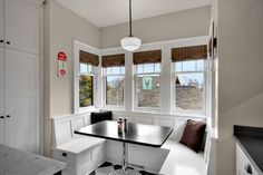 a banquette with storage in traditional kitchen Corner Kitchen Tables, Kitchen Table Bench, Kitchen Banquette, Banquette Seating, Dining Nook, Kitchen Nook, Corner Bench, Dining Set, Dining Bench With Back
