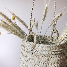 Panier champêtre 🌾 Retrouvez nos paniers tressés à la main sur l'eshop { www.beldy.fr} ✨