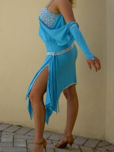 Abiti da ballo donna usati ( Standard, Caraibi e Latini Americani) > Milano