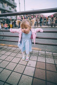Barefoot Blonde Amber Fillerup in Tokyo, Japan