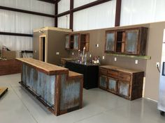 backyard remodel Rustic Barnwood Bar with barn tin -Dimensions - Bars are 36 tall in the back (working/serving area), 42 in the front (seating/drinking area).Bar Lengths will vary dep Metal Building Homes, Building A House, Building Exterior, Casas Containers, Barn House Plans, Barn Plans, Pole Barn Homes, Pole Barn Shop, Pole Barns