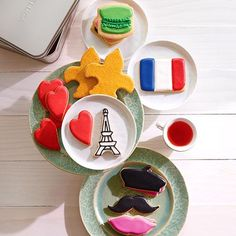 #MothersDay gift with a French twist: #Paris cookies by Dean and Deluca.
