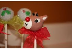 here is another cute reindeer cake pop!