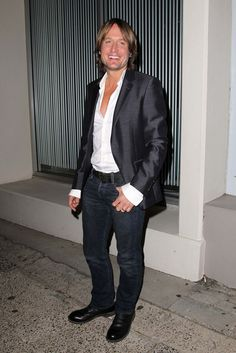 Keith Urban Photos Photos - Keith Urban seen arriving to a cocktail party being held by TV show 'The Voice' at 'Icebergs' restaurant in Sydney. - Celebs at 'The Voice' Party in Sydney