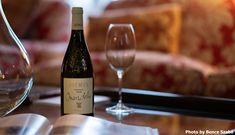 Label Design, White Wine, Wines, Alcoholic Drinks, Food, Essen, White Wines, Liquor Drinks, Meals