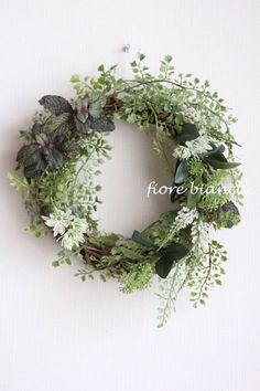 greenグリーン ボタニカルリース |フラワー・リース|fiore bianca|ハンドメイド通販・販売のCreema White Wreath, Diy Wreath, Floral Wreath, Xmas Flowers, Green Flowers, Easter Wreaths, Christmas Wreaths, Wreaths And Garlands, Wedding Table Flowers