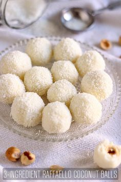 Raffaello Coconut Balls - Happy Foods Tube - - Looking for homemade edible gift ideas? Raffaello coconut balls make the perfect gift for your loved ones. They are no bake & ready in 15 minutes! Coconut Desserts, Coconut Cookies, Coconut Recipes, Baking Recipes, Easy To Make Desserts, Delicious Desserts, Yummy Food, Healthy Desserts, Candy Recipes