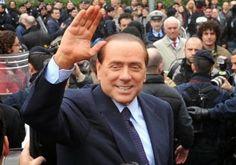 Dolce aggressivo e bastardo the original : Tentata aggressione a  Berlusconi al comizio di Sa...