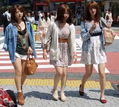 Shibuya Japanese Streets Fashion Trends Summer 2012. Add leggings and this is what I see everywhere.