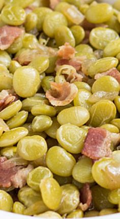 """Southern Butter Beans - Meg say """"Oh How I miss these"""". My mom made the best! Side Dish Recipes, Vegetable Recipes, Butter Beans, Think Food, Southern Recipes, Southern Food, Southern Thanksgiving Recipes, Southern Dishes, Southern Sunday Dinner Ideas"""