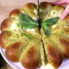 Appetizer Recipes 34367 We love this simple recipe for a pesto, parmesan and mozzarella fondant cake . A delight with a good taste of sun! Easy Dinner Recipes, Appetizer Recipes, Breakfast Recipes, Easy Meals, Pesto Mozzarella, Good Food, Yummy Food, Cooking Recipes, Healthy Recipes