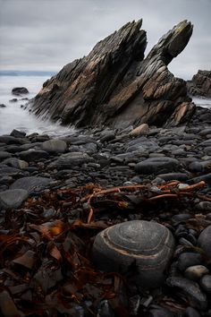 Fissure - Pointy sea stack makes it look like a new planet on this seashore, exposed to the country's most extreme weather. Landscape Concept, Landscape Photos, Landscape Art, Landscape Photography, Nature Photography, Rock Background, Textured Background, Seascape Paintings, Natural Phenomena