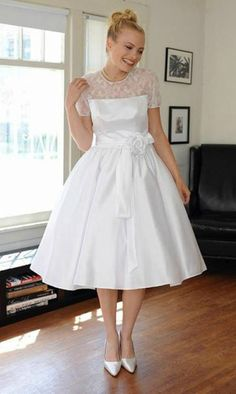 Vintage Chic Short Wedding Dress With Sleeves for Summer