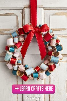 Diy christmas wreaths 295196950578372750 - Wooden Spool Wreath DIY Christmas Crafts Source by Christmas Craft Projects, Christmas Crafts To Make, Homemade Christmas Decorations, Decorating With Christmas Lights, Holiday Crafts, Christmas Wreaths, Christmas Christmas, Holiday Decor, Kids Crafts