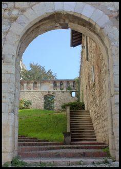 Porte ouverte ( château de Brescia)