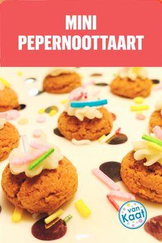 Hoe leuk zijn deze mini pepernoot taartjes! Echt super simpel te maken en ook superlekker! Lees het recept en nog meer zoete en hartige sint snacks in mijn blog Mini, Snacks, Cookies, Desserts, Blog, Crack Crackers, Tailgate Desserts, Appetizers, Deserts
