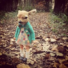 Toys In The Basement: Beautiful Creepy Dolls By Annie Montgomerie Textile Sculpture, Soft Sculpture, Textile Art, Sculptures, Felt Dolls, Doll Toys, Deer Girl, Tiny Dolls, Creepy Dolls