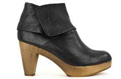 SUTRO Heathrow Wedge - Black Leather   Shoe Biz - San Francisco
