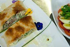 Thunfisch-Mozzarella-Strudel Strudel, Kitchen Time, Mozzarella, Quiche, Low Carb, Snacks, Ethnic Recipes, Food, Pizza