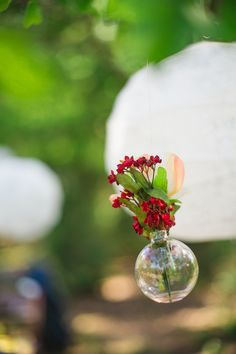 hanging flowers decor idea