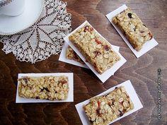 Batoane de cereale cu fructe uscate Bread, Food, Cakes, Banana, Cake Makers, Brot, Essen, Kuchen, Cake