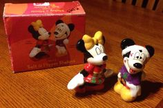 DISNEY Mickey & Minnie Christmas Kiss Ceramic Salt & Pepper Shakers With Box