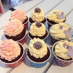 What better a way to start the day? #cupcake #fika #dessert #chocolate #choklad #onsdagsmys #lyx #buttercream #butterfly #göteborg #linné #gbgftw #homemade #hembakat #heaven
