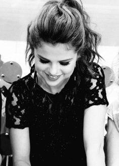 Selena Gomez ~ I love this picture