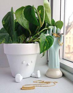 Un cache pot pour mettre un peu d'humour dans la maison. Que cette journée vous soit douce et créative.