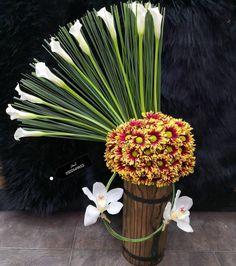 56 Gostos, 0 Comentários - مجموعةأسفارللزهور(0502649653) (@asfar_flowers) no Instagram Church Flower Arrangements, Floral Arrangements, Dahlia Flower, Flower Art, Arte Floral, Flower Designs, Beautiful Flowers, Dandelion, Floral Design