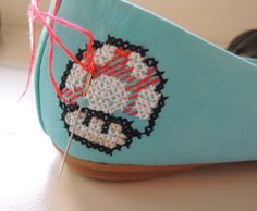 DIY-BAILARINAS-NINTENDO-5  Could do this on canvas shoes