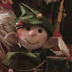 Primitive e-pattern LARGE ELF SIMON 26 | Etsy Christmas Sewing Patterns, Doll Sewing Patterns, Vintage Sewing Patterns, Christmas Elf Doll, Vintage Christmas, Basic Embroidery Stitches, Felt Toys, Sewing Basics, Soft Sculpture