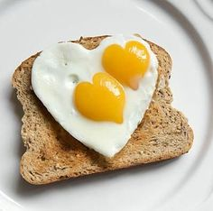 19 Natural Remedies for Anxiety — Many anxiety sufferers skip breakfast. Eggs are loaded with choline, nature's natural remedy for anxiety. Anxiety Remedies, Natural Remedies For Anxiety, Natural Cures, Desayuno Romantico Ideas, Eat Breakfast, Breakfast Recipes, Breakfast Ideas, Balanced Breakfast, Romantic Breakfast