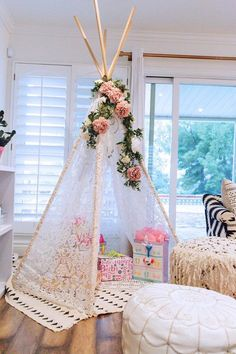 We're seeing this baby shower trend more and more - a tent to hold all the shower gifts! And, even better if the mom-to-be gets to take it home for her nursery.