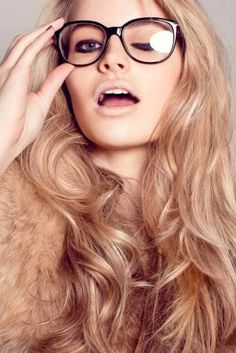 I really like the dark champagne blonde tone hair, perfect for the ends of an ombre style