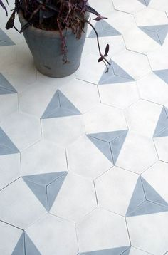 Tiles from Claesson Koivisto Rune Amazing tiles - hexagonal blue and white tile floor.Amazing tiles - hexagonal blue and white tile floor. Floor Patterns, Tile Patterns, Morrocan Patterns, Bad Inspiration, Interior Inspiration, Floor Design, Tile Design, Interior And Exterior, Interior Design