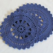 Crochet Christmas Trees, Crochet Circles, Knit Crochet, Knitting, Pattern, Crochet Ideas, Inspiration, Retro, Kitchen Playsets