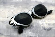 vintage womens accessories // cat eye sunglasses // eyewear // cat eye frames Tru-Tone by American Optical
