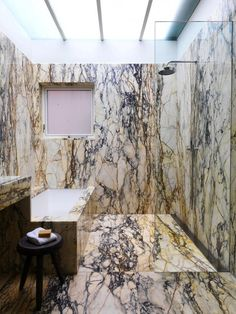 Marble bathrooms 44754590023259947 - Selldorf Architects :: Collectors Townhouse Something very old world money about this modern bathroom. This type of marble is so hard to use well! Source by emiledufayel Bathroom Interior, Modern Bathroom, Master Bathroom, Bathroom Marble, Stone Bathroom, Decoration Inspiration, Bathroom Inspiration, Dream Bathrooms, Beautiful Bathrooms