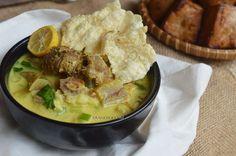 Diah Didi's Kitchen: Soto Kuning Bogor Diah Didi Kitchen, Indonesian Cuisine, Indonesian Recipes, Asian Recipes, Ethnic Recipes, Yummy Recipes, Japanese Cheesecake, Nasi Goreng, Bogor