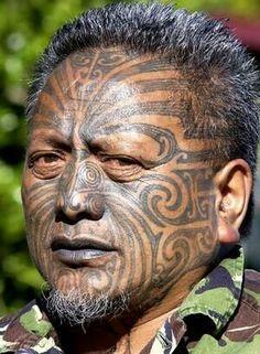 maori new zealand Maori Tattoos, Maori Tattoo Meanings, Ta Moko Tattoo, Hawaiianisches Tattoo, Irezumi Tattoos, Face Tattoos, Body Art Tattoos, Maori Face Tattoo, Polynesian Tribal Tattoos