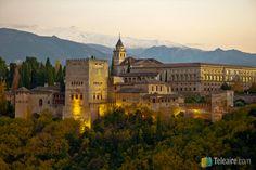 Atardecer en la #Alhambra, a los pies de #SierraNevada #Granada #España - Quiero pronto poder sacar yo mismo esta foto...