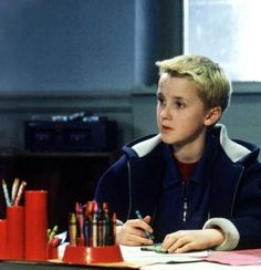 AWW! The entire HP cast were such ridiculously adorable kids! (Draco Malfoy is coloring. Your argument is invalid.)