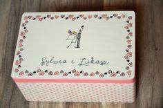 Serducha - pudełko na koperty i kartki ślubne. Malowane według projektu Pary Młodej :)  Do kupienia w sklepie online Madame Allure!  #pudełkonakoperty