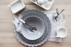 Give mismatched flatware a new unified look with this simple tutorial.
