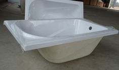 Smallest bathtub from GreenGoods bath is or 39 inch long. It's suitable to have a bath for baby, child, aged parent or installed on a narrow bathroom. Small Bathtub, Narrow Bathroom, Narrowboat, Bathroom Renos, Bath Remodel, Boats, House Ideas, Image, Bathroom Remodeling