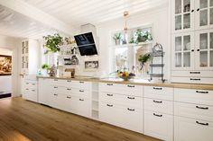 """FINN – Horten/Sentrum - Sjarmerende eiendom med to sidebygninger og hyggelig """"bakgård"""""""